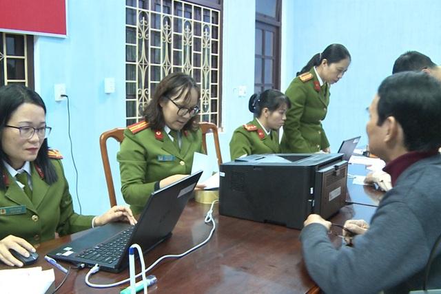 Thừa Thiên Huế bắt đầu cấp thẻ căn cước công dân - 3