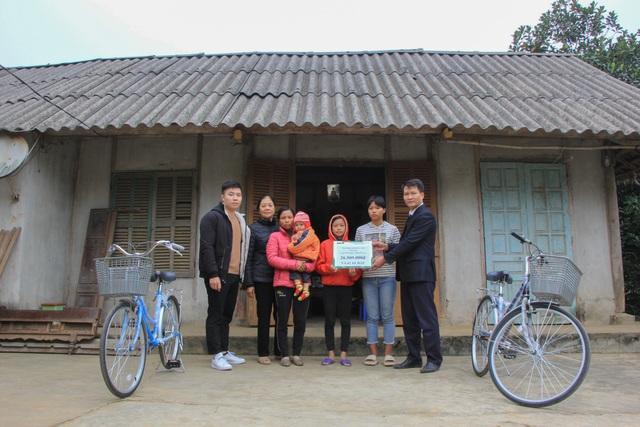 Bạn đọc giúp đỡ người phụ nữ bạo bệnh 26 triệu đồng và 2 chiếc xe đạp - 1