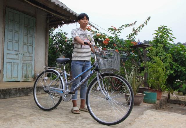 Bạn đọc giúp đỡ người phụ nữ bạo bệnh 26 triệu đồng và 2 chiếc xe đạp - 2