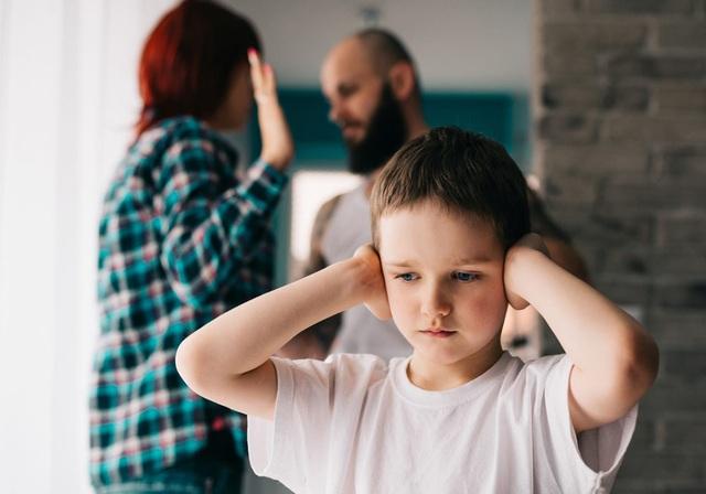 Sai lầm tai hại của cha mẹ khi dạy con - 1