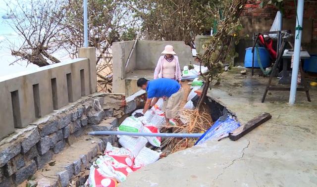 Phú Yên: Triều cường nuốt chửng nhà cửa, người dân lo thắt ruột - 2