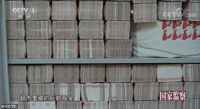 Video 3 tấn tiền mặt chất như núi trong nhà quan tham Trung Quốc - 3