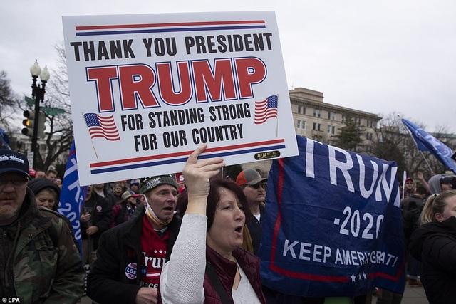 Biển người ủng hộ Trump đổ về, thủ đô Washington cấp tập ngăn bạo loạn - 2