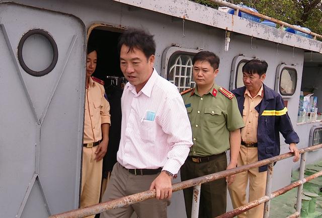 Chủ tịch tỉnh chỉ đạo tìm kiếm cảnh sát mất tích trên sông Hậu - 1