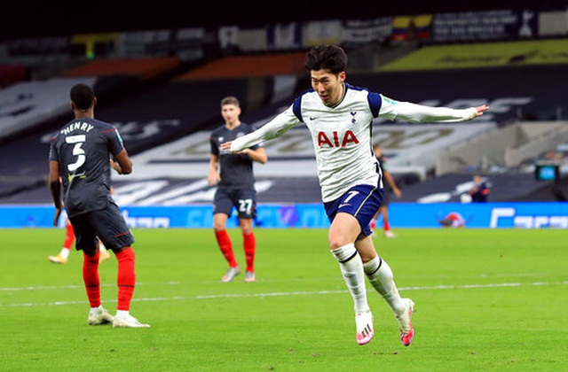 Tottenham vào chung kết Carabao Cup, Mourinho vẫn chưa hài lòng - 1