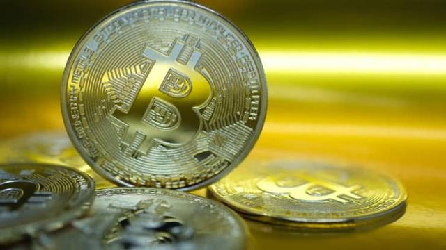 Bitcoin tăng điên cuồng,  vượt ngưỡng 35.000 USD - 1
