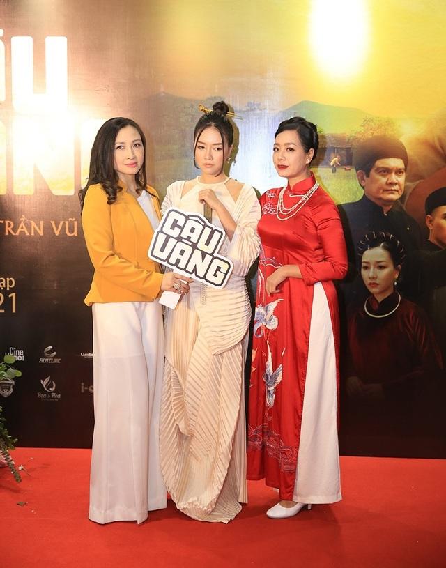 NSND Thu Hà đọ nhan sắc trẻ trung với NSƯT Chiều Xuân, Khánh Huyền - 6