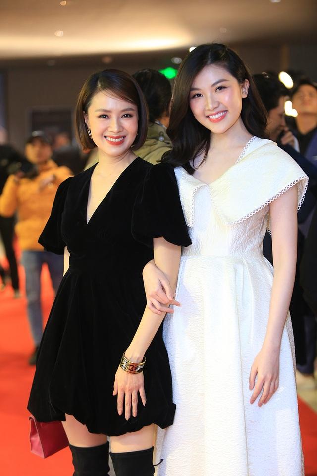 NSND Thu Hà đọ nhan sắc trẻ trung với NSƯT Chiều Xuân, Khánh Huyền - 11