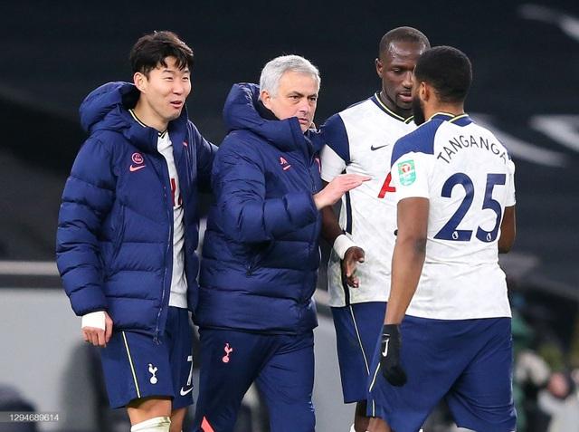 Tottenham vào chung kết Carabao Cup, Mourinho vẫn chưa hài lòng - 2