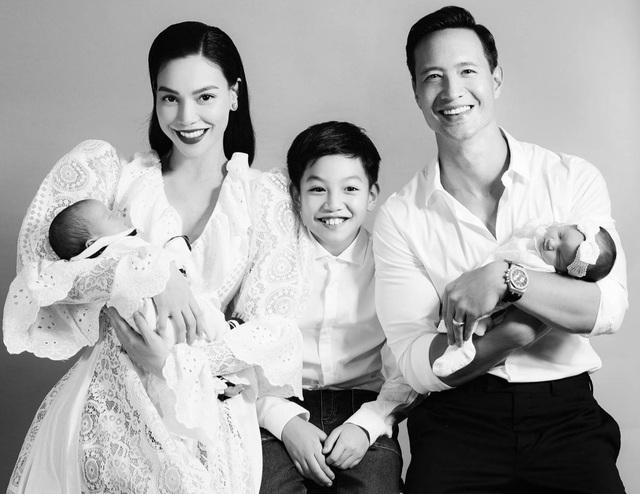 Hồ Ngọc Hà - Kim Lý gây sốt với ảnh bế cặp sinh đôi - 5