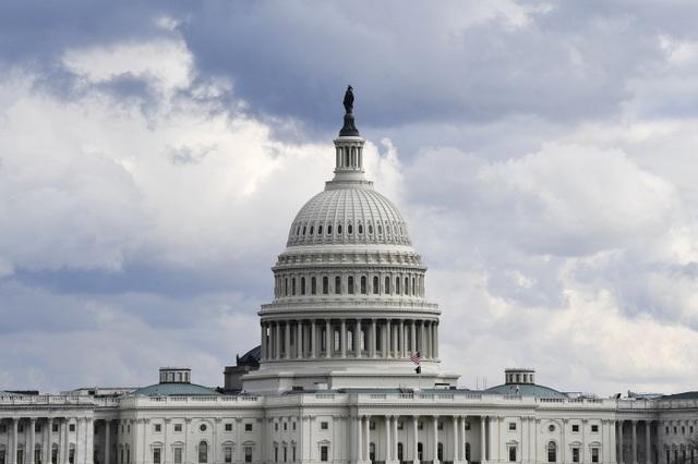 Xuất hiện lời đe dọa lao máy bay vào tòa nhà quốc hội Mỹ ngày 6/1 - 1