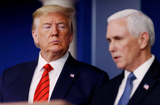 Ông Trump thúc ép ông Pence trước giờ G: Hãy thật dũng cảm - 1