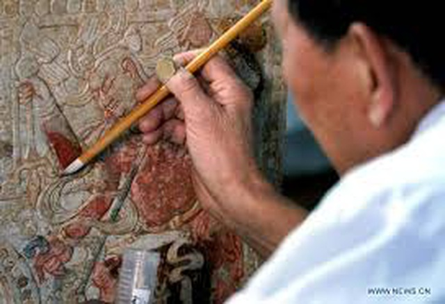 Phát hiện ngôi mộ cổ 1.400 năm có giường đá cẩm thạch trắng - 3