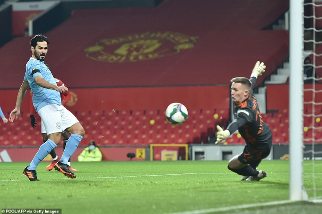 Những khoảnh khắc Man City quật ngã Man Utd tại Old Trafford - 4