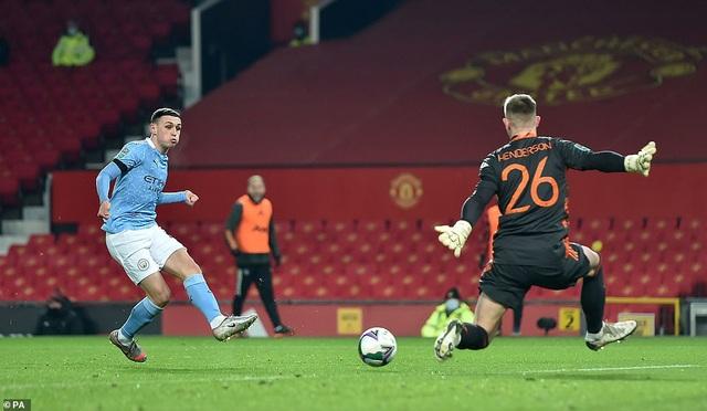 Những khoảnh khắc Man City quật ngã Man Utd tại Old Trafford - 5