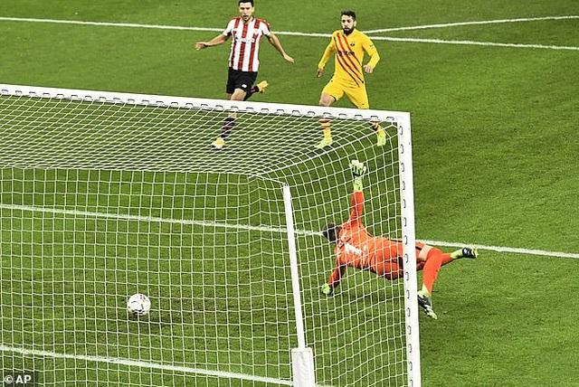 Bilbao 2-3 Barcelona: Messi tỏa sáng rực rỡ - 8