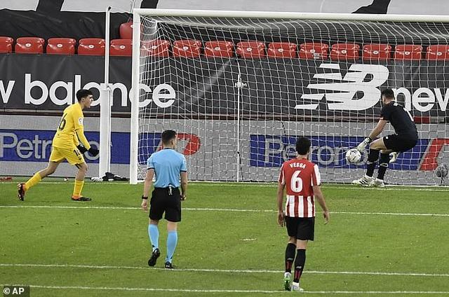 Bilbao 2-3 Barcelona: Messi tỏa sáng rực rỡ - 3