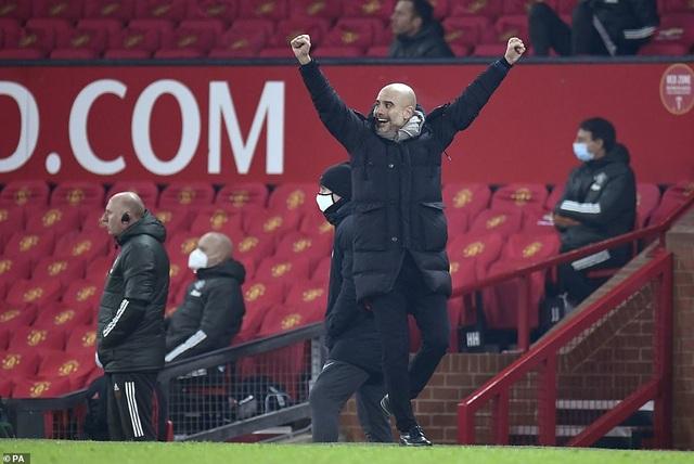 Những khoảnh khắc Man City quật ngã Man Utd tại Old Trafford - 10