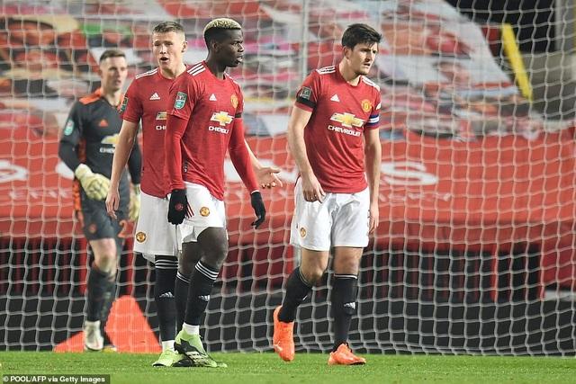 Những khoảnh khắc Man City quật ngã Man Utd tại Old Trafford - 11