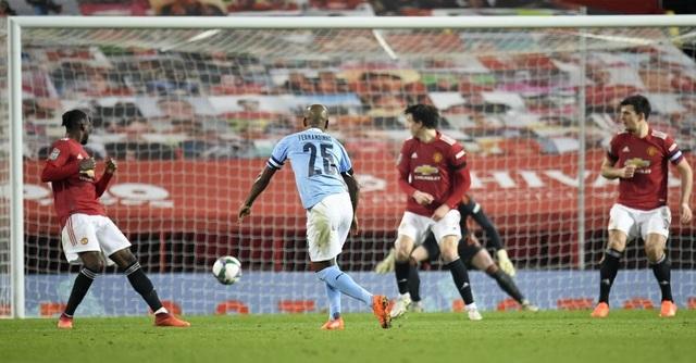 Man Utd 0-2 Man City: Đẳng cấp của nhà đương kim vô địch - 4