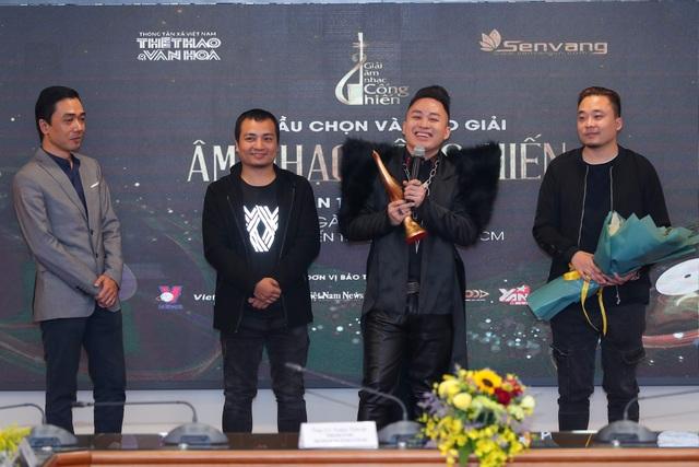 Dế Choắt nhận giải Nghệ sĩ mới, Tùng Dương lập hat-trick tại giải Cống hiến - 2