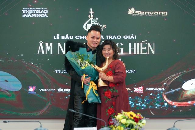 Dế Choắt nhận giải Nghệ sĩ mới, Tùng Dương lập hat-trick tại giải Cống hiến - 1