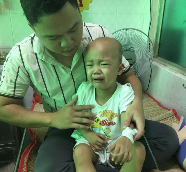 Người cha nghèo mang nhà đi cầm cố cầu xin bạn đọc cứu con trai 3 tuổi - 6