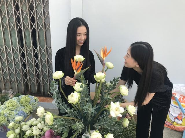 Á hậu Thúy An tự tay trang trí đám cưới ở quê nhà Kiên Giang - 8