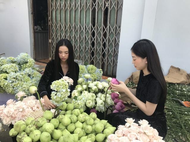 Á hậu Thúy An tự tay trang trí đám cưới ở quê nhà Kiên Giang - 9