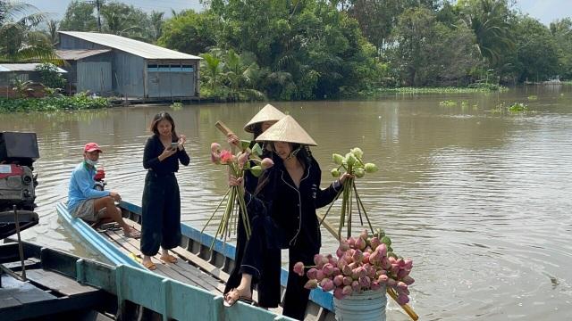 Á hậu Thúy An tự tay trang trí đám cưới ở quê nhà Kiên Giang - 11
