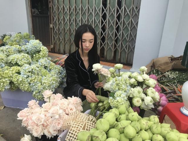 Á hậu Thúy An tự tay trang trí đám cưới ở quê nhà Kiên Giang - 2
