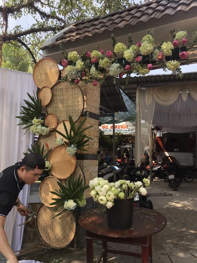 Á hậu Thúy An tự tay trang trí đám cưới ở quê nhà Kiên Giang - 6
