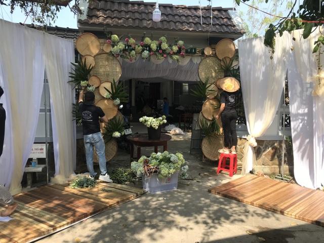 Á hậu Thúy An tự tay trang trí đám cưới ở quê nhà Kiên Giang - 5