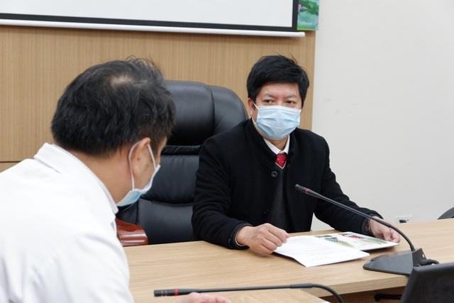 Hà Nội: Ca Covid-19 nặng tổn thương phổi 75%, chi viện thuốc hiếm điều trị - 4