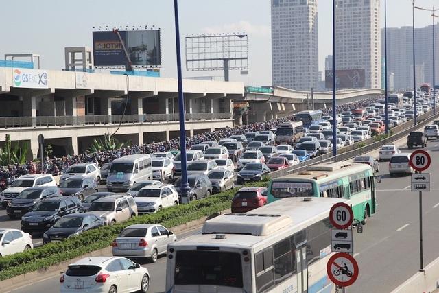 TPHCM cầu cứu Trung ương hàng loạt dự án giao thông trọng điểm