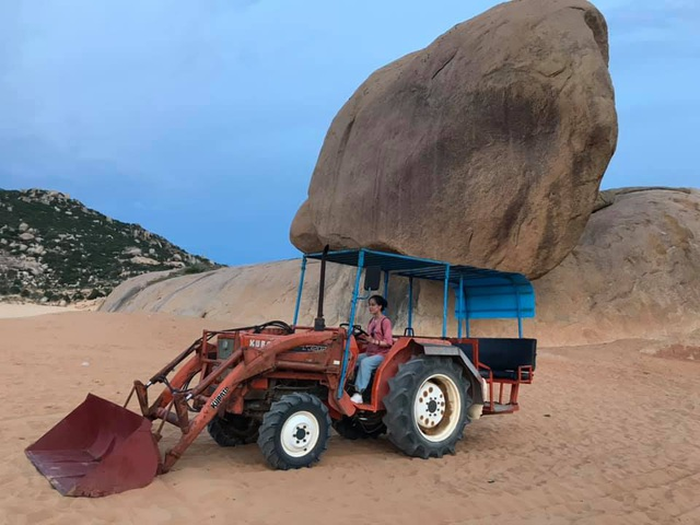 The rocky rock that seemed to be falling in Mui Dinh attracted young people to check-in - 3