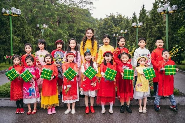 6 nữ sinh trường Báo xinh đẹp sắc sảo và tài năng - 9