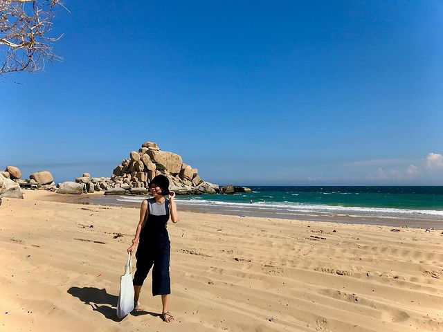 The rocky rock that seemed about to fall in Mui Dinh attracted young people to check-in - 6