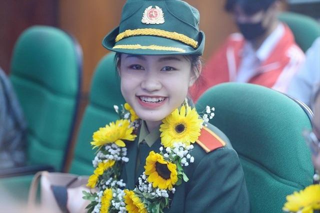 Nữ sinh áo lính mê khoa học - 2