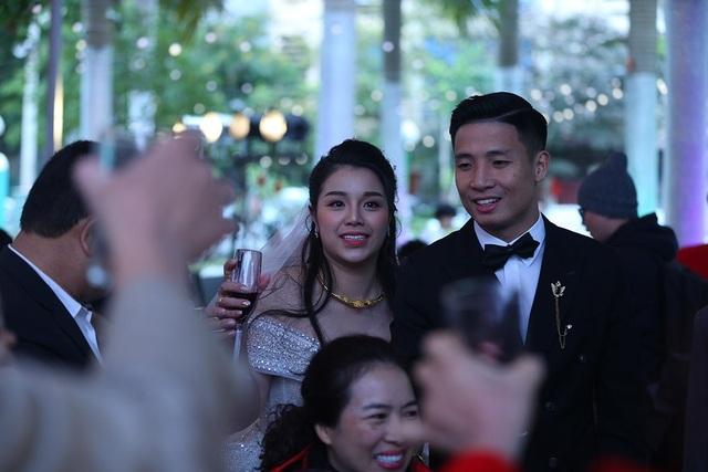 Đám cưới Tiến Dũng và Khánh Linh: Gần 2000 khách, bất ngờ quà cảm ơn - 11
