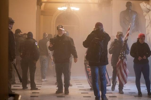 Diễn biến 4 giờ trụ sở quốc hội Mỹ tê liệt trong vụ bạo loạn lịch sử - 6