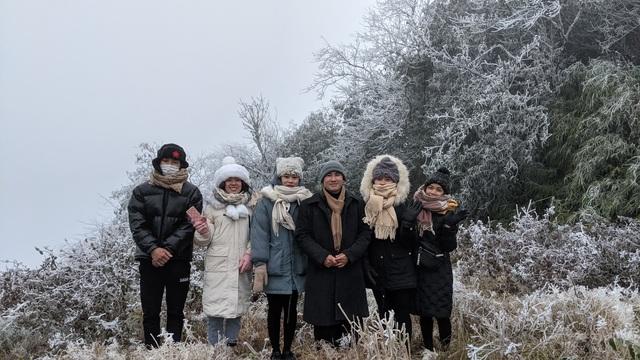 Cận cảnh băng giá ở Cao Bằng, Lạng Sơn trong giá lạnh dưới 0 độ C  - 8