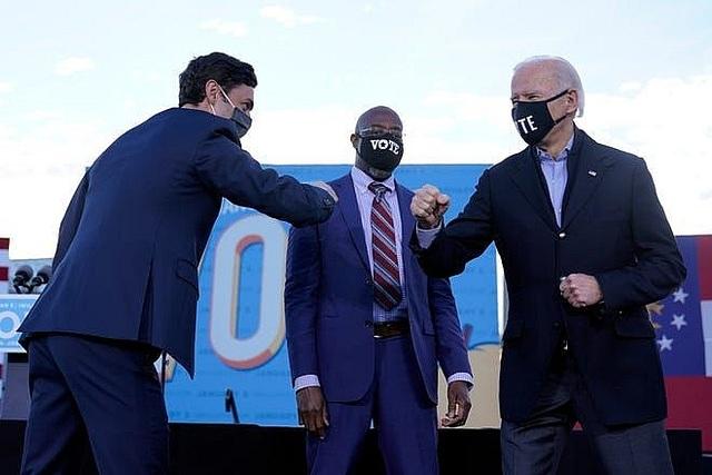 Ông Joe Biden sẽ xuôi chèo mát mái khi đảng Dân chủ kiểm soát Thượng viện? - 1