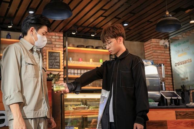 Hai nam diễn viên Cody và Đỗ Hoàng Dương gây chú ý khi đóng cảnh thân mật - 4