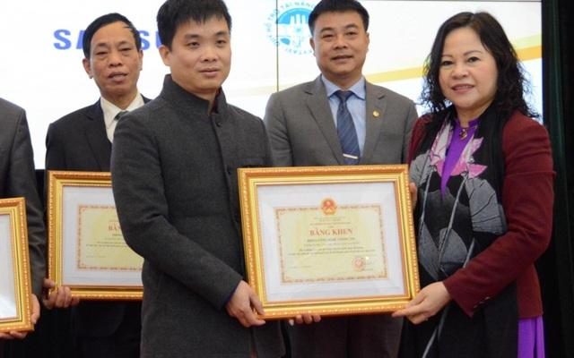 Trao thưởng cho học sinh đoạt giải Olympic quốc tế năm 2020 - 2