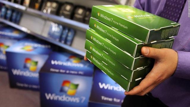Sau 1 năm khai tử, Windows 7 vẫn đông người dùng đến kinh ngạc - 1