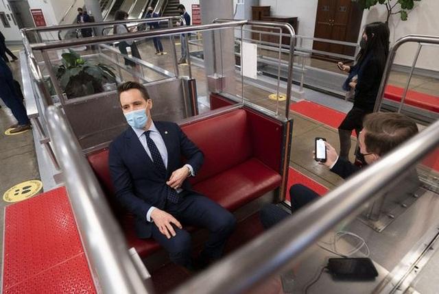 Đường hầm ngầm giúp các nghị sĩ thoát hiểm khỏi vụ bạo loạn ở quốc hội Mỹ - 4