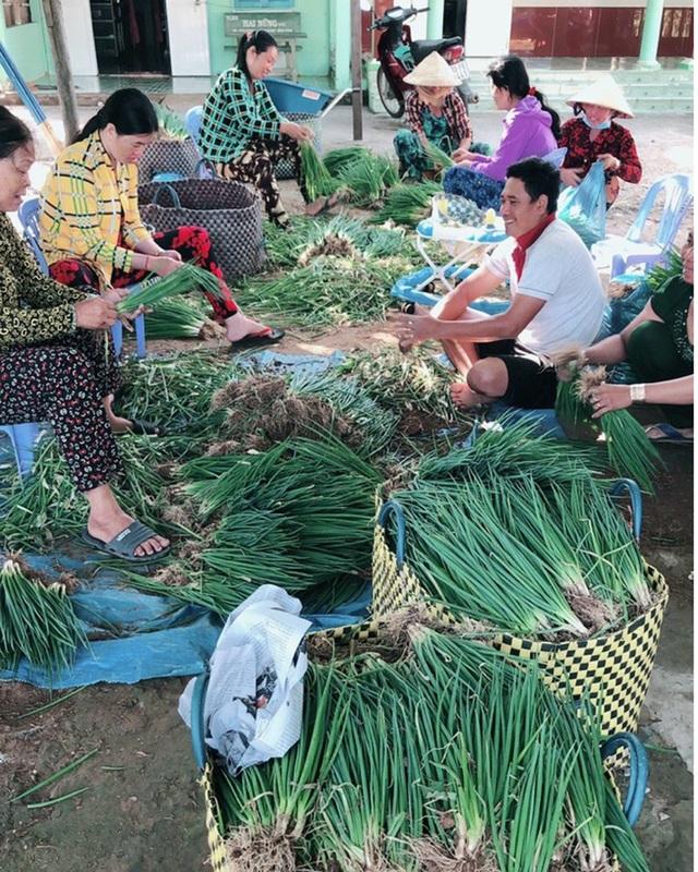 Chị em phụ nữ giúp nhau thoát nghèo từ mô hình tổ hợp tác trồng màu - 2