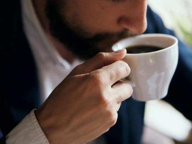 Làm thế nào để hơi thở thơm tho sau khi uống cà phê? - 1