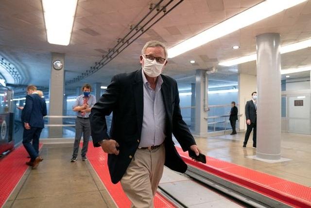 Đường hầm ngầm giúp các nghị sĩ thoát hiểm khỏi vụ bạo loạn ở quốc hội Mỹ - 2